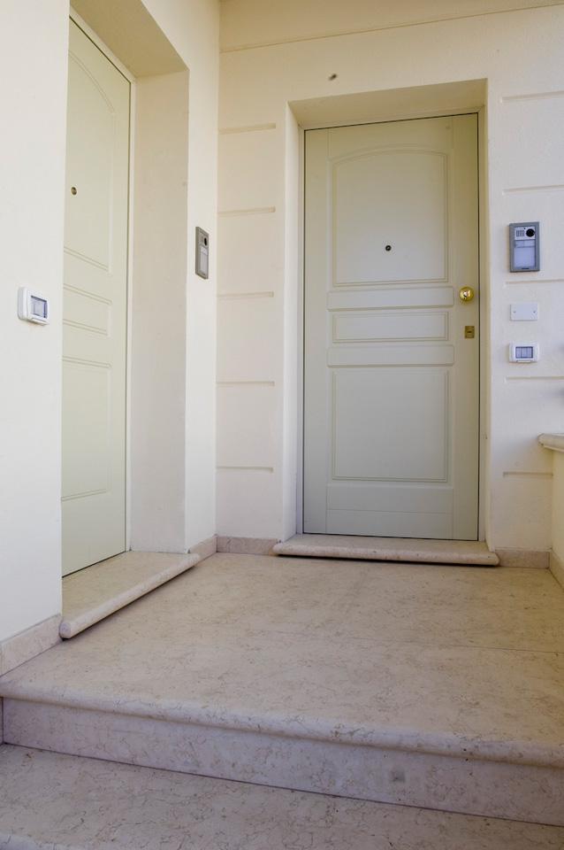 Porte blindate a fontana serramenti e infissi in for Occhio magico per porte